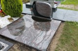 Doppelgrab mit Abdeckplatten